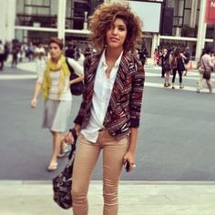 nude jeans and white shirt with blazer works