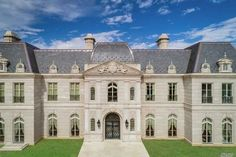 If you happen to have millions saved up for a down payment on a new home, this is the house for you! This massive, French chateau-style house is now on the market. Dream House Interior, Expensive Houses, French Chateau, Dream House Plans, House Rooms, Versailles, Renting A House, Luxury Lifestyle, Exterior