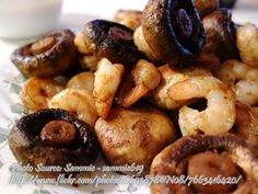 Fried Shrimps with Mushrooms http://www.panlasangpinoymeatrecipes.com/fried-shrimps-mushrooms.htm #FriedShrimps #Mushrooms