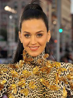 2013 MTV VMAs: Katy Perry. Natural make up with lots of lashes.