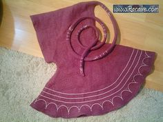 …my new hood with long liripipe finished :) http://embroidery.racaire.at