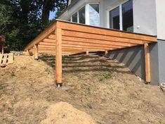 Erhöhte Terrasse aus Bangkirai mit Holztreppe und Außentreppe - M S - #aus #Außentreppe #Bangkirai #Erhöhte #Holztreppe #mit #Terrasse #und