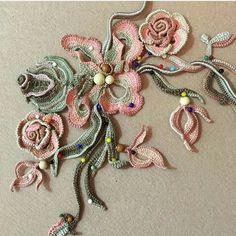 19 Ideas for embroidery face pattern tutorials Thread Crochet, Freeform Crochet, Crochet Motif, Crochet Lace, Irish Crochet Patterns, Crochet Designs, Crochet Flower Tutorial, Crochet Flowers, Bead Embroidery Jewelry