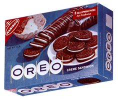 Oreo cookies are not a candy – they're a cookie. Even so, I wanted to find a reason to post about this notable anniversary for the brand. Cool Packaging, Vintage Packaging, Retro Recipes, Vintage Recipes, Sandwich Cookies, Oreo Cookies, Oreo Package, Vintage Food Labels, Nabisco Oreo