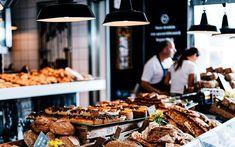 Soñar con una panadería se relaciona habitualmente con la llegada de la estabilidad económica a nuestra vida. Por lo tanto, debemos tratar de evitar los cambios grandes que afecten a… Stuffed Mushrooms, Vegetables, Breakfast, Food, Stability, Life, Stuff Mushrooms, Morning Coffee, Essen