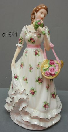 Royal Doulton Royal Albert Sweet Rose 2011 Old Country Roses Foy...whatever all that means. I just love her.