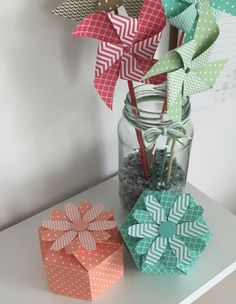 In this weeks video I show how to download, cut and assemble the Flower Gift Box from within the ScanNCut Canvas Project Library. I used Stampin Up double sided designer series paper, which is avai...
