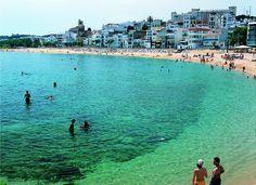Maresme. Sant Pol de Mar Beach. Costa de Barcelona Picture by Felipe J.Alcoceba Barcelona Tours, Barcelona Travel, Magic Places, Places To Visit, Spain Travel, Get Outside, Pilgrimage, Holiday Destinations, Places Around The World