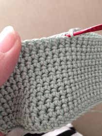 Anette L syr och skapar: Dubbelvirkade grytlappar Knitting Stitches, Knitting Patterns, Crochet Patterns, Crochet Hot Pads, Crochet Yarn, Paper Flower Decor, Crochet Potholders, Crochet Videos, Crochet Designs