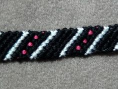 ► Friendship Bracelet Tutorial 13 - Beginner - Stripes & Dots - YouTube