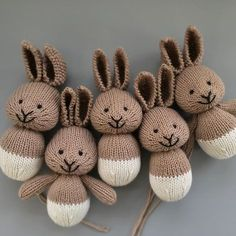 Make A Stuffed Toy Making bunnnies .knitting is the easy part. Stuffing, seaming and sewing together takes time. But every part of the process is enjoyable. Knitted Bunnies, Knitted Animals, Crochet Rabbit, Crochet Toys, Sewing Stitches, Knitting Patterns, Softie Pattern, Little Cotton Rabbits, Original Design