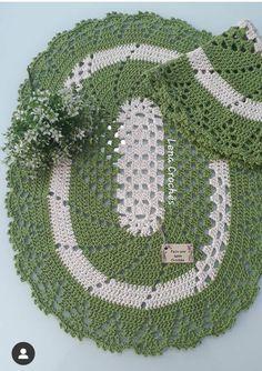 Crochet Coaster Pattern, Crochet Blanket Patterns, Diy Crochet, Crochet Hats, Little Babies, Holiday Decor, Youtube, Crochet Rug Patterns, Green Mat