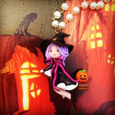 Cute halloween witch flying around on her broomstick. https://www.etsy.com/shop/Heatherdesigns  Polymer clay fimo halloween witch pumpkin