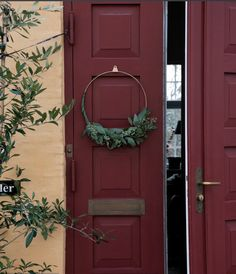 DIY make your own stunning wreath with the Strups brass ring. Read all about how I made mine on the Simply Danish Living blog today.