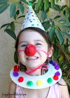 Homemade Clown Costume Heres an adorable clown costume that your little ones can make themselves. What a great addition to your dress-up box for pretend play! The post Homemade Clown Costume was featured on Fun Family Crafts. Kids Crafts, Clown Crafts, Carnival Crafts, Family Crafts, Toddler Crafts, Circus Theme Crafts, Preschool Circus Theme, Circus Art, Clown Hat