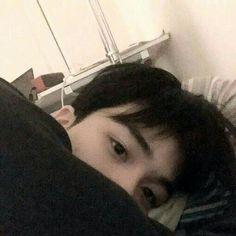 Don't be cold 🍃 Cute Asian Guys, Cute Korean Boys, Asian Boys, Asian Men, Cute Guys, Korean Boys Ulzzang, Ulzzang Korea, Ulzzang Couple, Ulzzang Boy