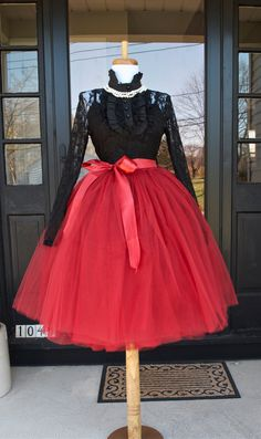 Cranberry Maroon Tulle skirt Tutu Beautiful tulle skirt made with a pretty burgundy wine tulle in wo Red Tulle Skirt, Tutu Skirt Women, Tulle Dress, Dress Skirt, Tulle Skirts, Tulle Tutu, Red Tutu, Tutu Outfits, Dance Outfits