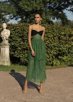 Moda Femenina Fashion Chic Ready To Wear Ideas Looks Street Style, Looks Style, Pretty Dresses, Beautiful Dresses, Casual Dresses, Fashion Dresses, Skirt Fashion, Paris Chic, Look Fashion
