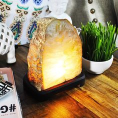 Handcrafted with extreme precision this Agate Lampis a piece of art. Agate is a stone of strength. It was used by the Ancients on the breastplates of armor to give warriors strength and make them victorious in battle. Energetically it is considered to giv