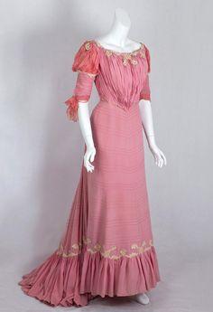 Belle Époque Gown: ca. 1902, silk crepe, silk chiffon, lace appliqués, lined with taffeta, boned bodice.