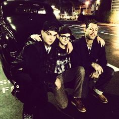 Mike Ness und Söhne Julian und Johnny