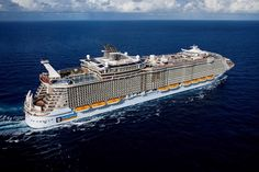 The world's biggest cruise ship, Allure of the Seas!