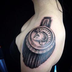 This is Sparta! By Ryan Willard. Abstract Art Tattoo, Russian Fashion, Future Tattoos, Shoulder Tattoo, Cool Tattoos, Tatoos, Blackwork, Tattoo Designs, Tattoo Ideas