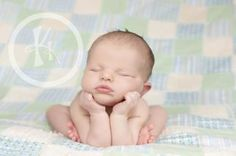 OMG this new born shoot is just the cutest darn thing ever. :) I swear my next baby I want a photo like this!