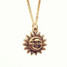This sun/moon necklace is fabulous and I can just imagine some really poetic person coming up with some really beautiful metaphorical significance/symbolism that the sun and moon represent. Sea Jewelry, Moon Jewelry, Cute Jewelry, Crystal Jewelry, Jewelry Box, Jewelry Accessories, Jewelry Necklaces, Jewellery, Sun And Moon Necklace