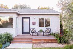 Home Tour: A Modern, Playful LA Bungalow via Mid Century Landscaping, Home Landscaping, Landscaping Design, Front Deck, House Front, Front Stoop, Front Porches, Bungalows, Patio Design