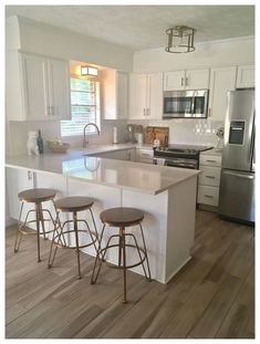 20 Elegant Kitchen Design With Contemporary Kitchen Features You Can Try Small Kitchen Ideas Contemporary Design Elegant Features Kitchen Kitchen Room Design, Modern Kitchen Design, Home Decor Kitchen, Interior Design Kitchen, Home Design, Design Ideas, Design Trends, Minimal Kitchen, Decorating Kitchen