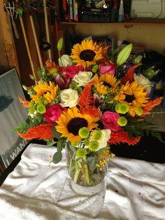 Summer Fun Sunflower arrangement #fiddleandorchid
