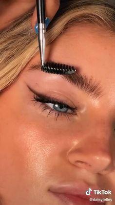 Makeup Eye Looks, Creative Makeup Looks, Cute Makeup, Simple Makeup, Natural Makeup, Makeup Tips Contouring, Highlighter Makeup, Skin Makeup, Bronze Eye Makeup