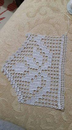 Crochet lace square pattern ganchillo Ideas for 2019 Filet Crochet, Crochet Lace Edging, Crochet Borders, Crochet Stitches Patterns, Doily Patterns, Crochet Squares, Crochet Chart, Baby Knitting Patterns, Crochet Doilies