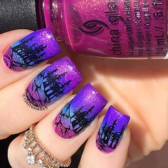 Base Gradient: @chinaglazeofficial I'll Pink To That, What I Like About Blue, I Got A Blue Attitude and We Got The Beet • Stamp Plate: @bundlemonster BM- S306 • Black Stamping Polish: @paintedpolishbylexi Midnight Mischief • Top Coat: @shoploveangeline Topped With Love