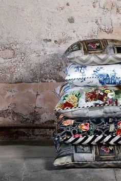 Emily Humphrey Cushions - love the striped B&W piping. Very MacKenzie Childs.