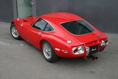 Hottest Japanese Sports Car 1968 Toyota 2000GT