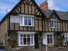 Halcyon Guest House, Penzance, Cornwall, England. Holiday, travel, explore, relax, break, countryside, walking, cycling, views, scenery, breakfast, St Michael's Mount, Lamorna Cove, Land's End, Minack Theatre.