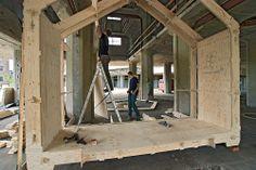 WikiHouseNL // Silo Meelfabriek: betonnen kolom komt in het huis te staan