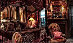 I dined at The Witchery, Edinburgh one birthday a few years ago. I would have loved to have stayed but it's out of my price range. One day...