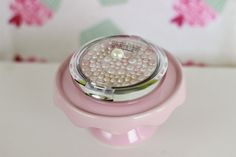 Sprinkles on a cupcake: Physicians Formula - Powder Palette Mineral Glow Pearls