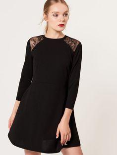 Czarna sukienka z elementami koronki, MOHITO, SC656-99X