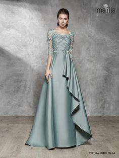 Stylish Dress Designs, Stylish Dresses, Elegant Dresses, Beautiful Dresses, Fashion Dresses, Hijab Dress Party, Dress Brukat, Party Wear Dresses, Hijab Gown