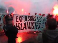 Far-right protests break out across France | World | News | Daily Express http://www.express.co.uk/news/world/619463/Paris-attacks-Anti-Muslim-protests-Islam-France-terrorism