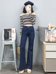 Korean Fashion Trends you can Steal – Designer Fashion Tips Korean Fashion Trends, Korean Street Fashion, Korea Fashion, Asian Fashion, Fashion Pants, Retro Fashion, Fashion Outfits, Cool Outfits, Casual Outfits
