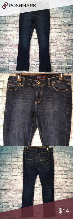 Tommy Hilfiger Size 6R Bootcut Excellent condition Inseam 32 I ship twice daily A21 Tommy Hilfiger Jeans Boot Cut