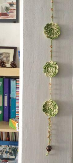 Green shades crochet pendant by GabyCrochetCrafts on Etsy Crochet Bunting, Crochet Garland, Crochet Decoration, Crochet Home Decor, Cute Crochet, Crochet Crafts, Yarn Crafts, Knit Crochet, Diy And Crafts
