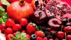 frutas vermelhas e arroxeadas