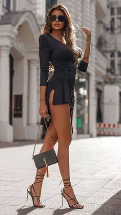 Mode Outfits, Sexy Outfits, Fashion Outfits, Womens Fashion, Tight Dresses, Sexy Dresses, Frauen In High Heels, Sexy Legs And Heels, Dressed To Kill