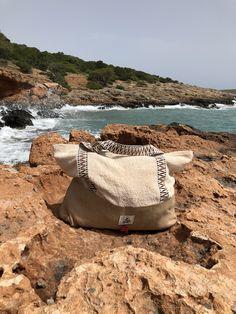 #Beach #sun #sea #travel #ootd #essential #trend #beachbag Travel Ootd, Welcome Summer, Beach Essentials, Something Else, Walk On, Sun, World, Bags, Style